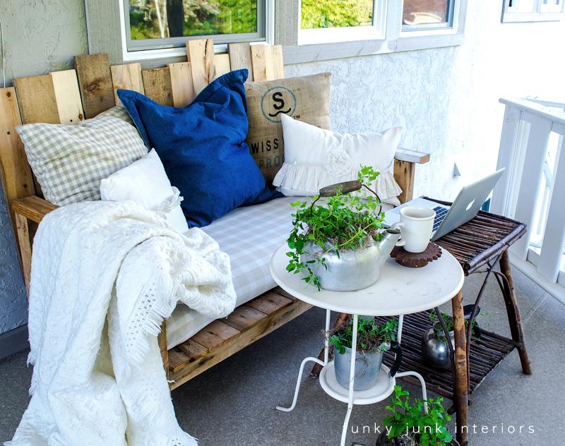 Canapé d'extérieur en palettes