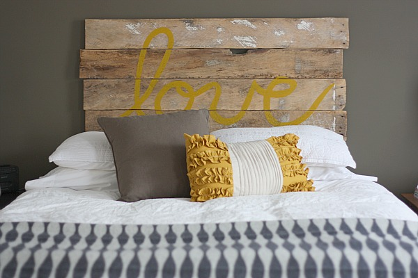 DIY Fence Board Headboard