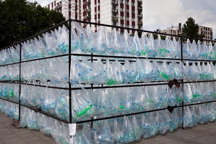 Labyrinth of plastic waste 005