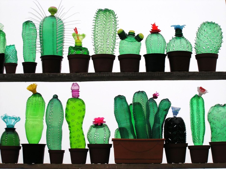 Veronika Richterova - Plant made from plastic bottles